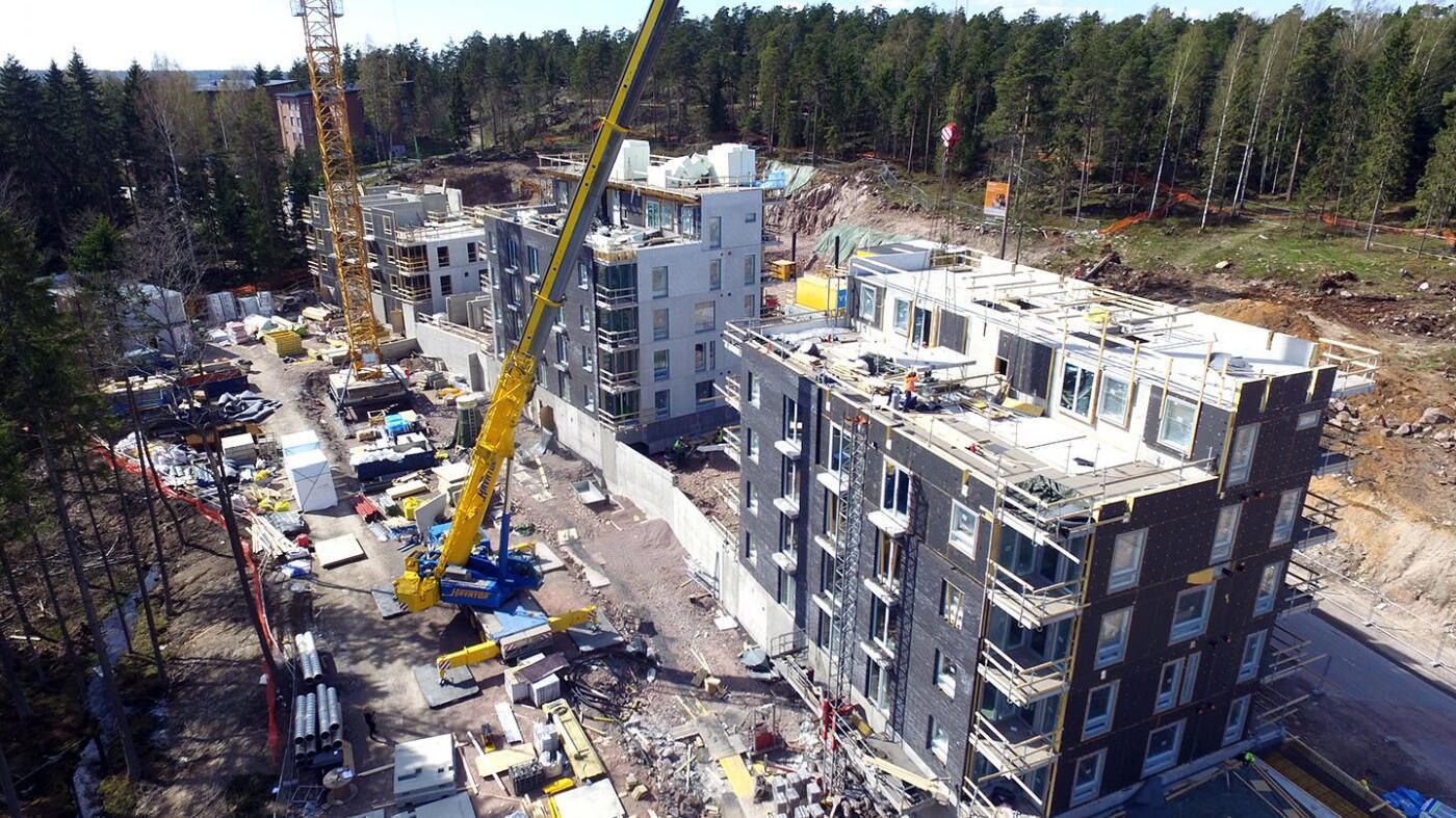 Asuntorakennustyömaa nostot Havator